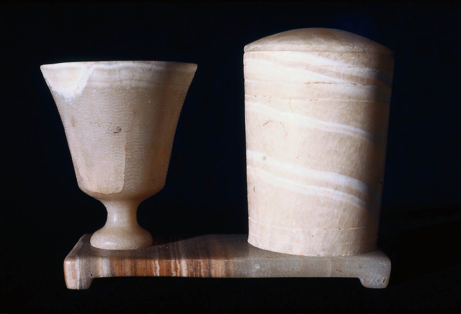 Goblet and cylindrical vase in stand