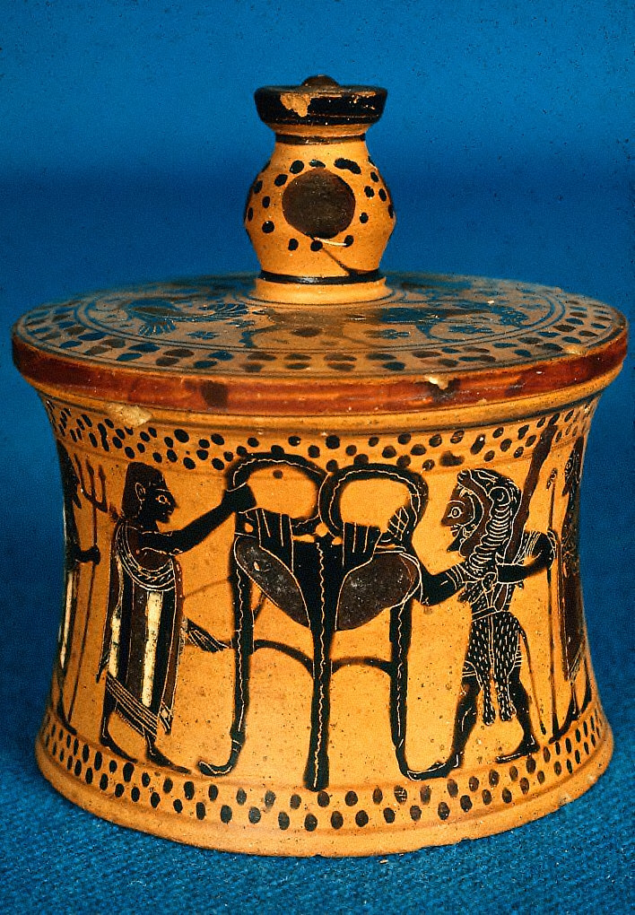 Pyxis with lid: Herakles Seizing the Delphic Tripod from Apollo