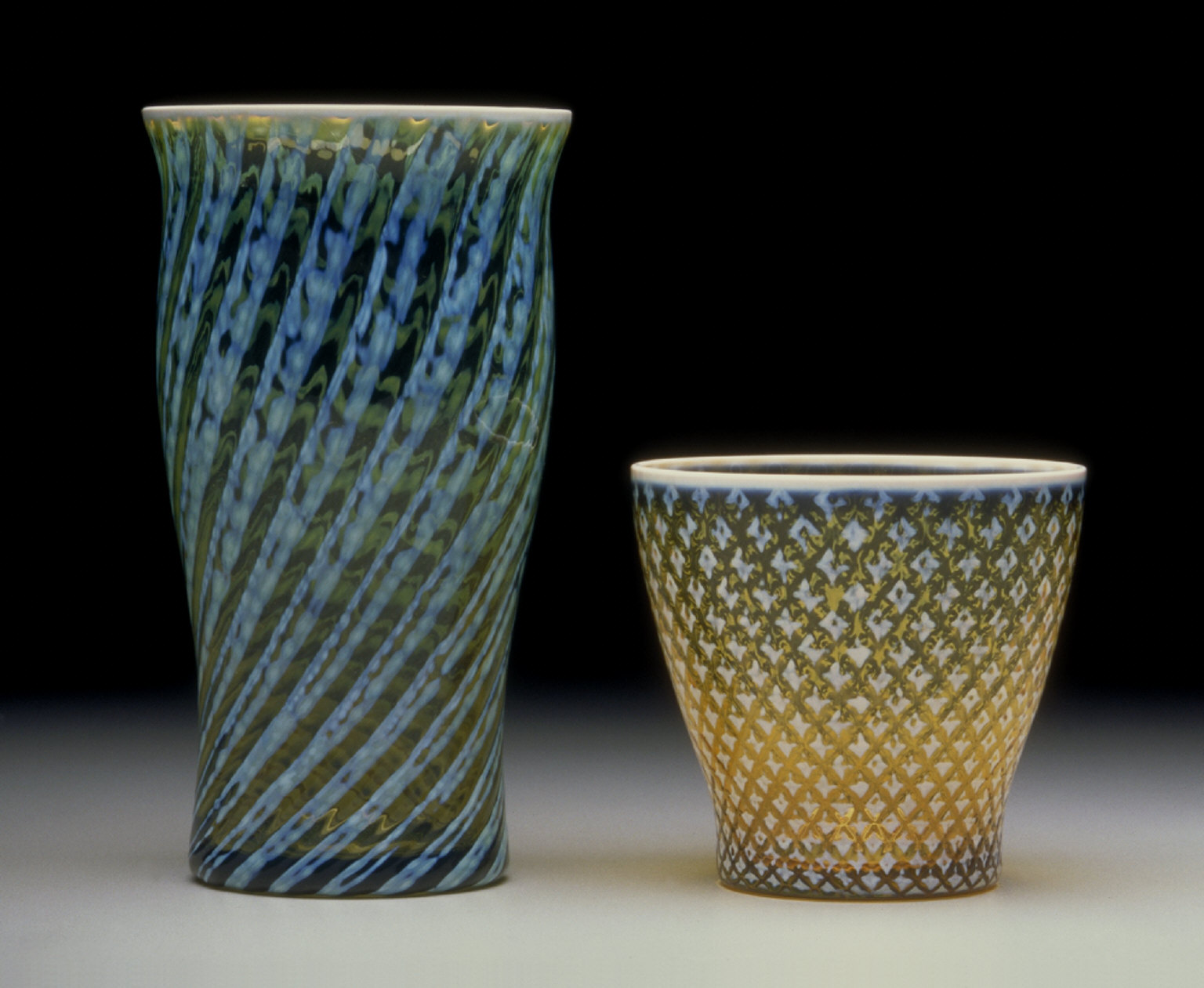 'Homespun' tumbler in 'Moss Green' colored glass