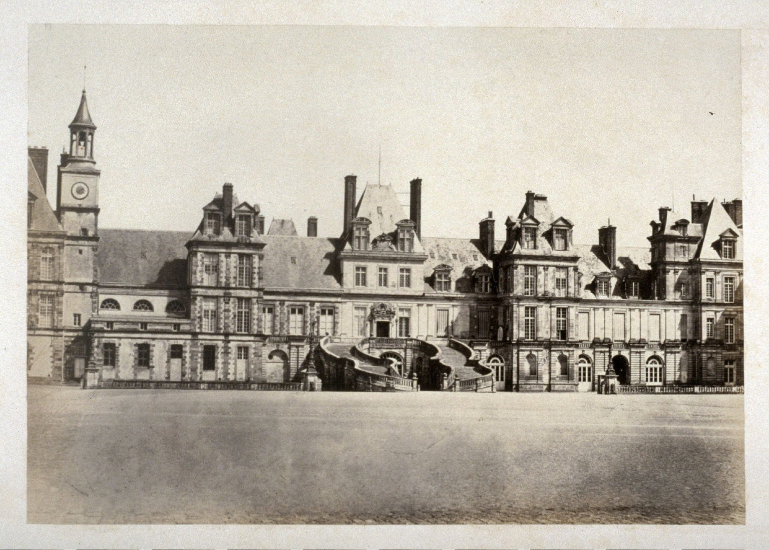 #39 (House with staircase) from 11 albumen prints from Vues de Paris en Photographie, 1858