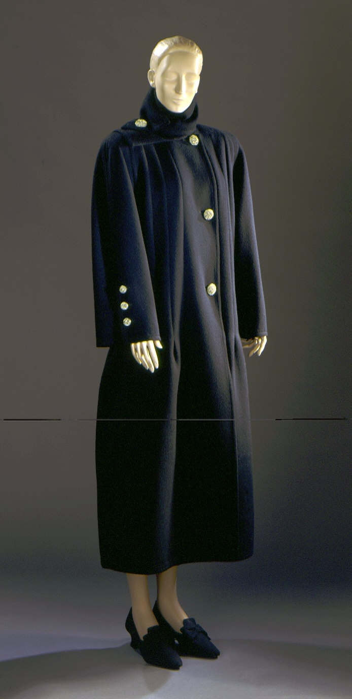 Woman's Coat with Separate Collar