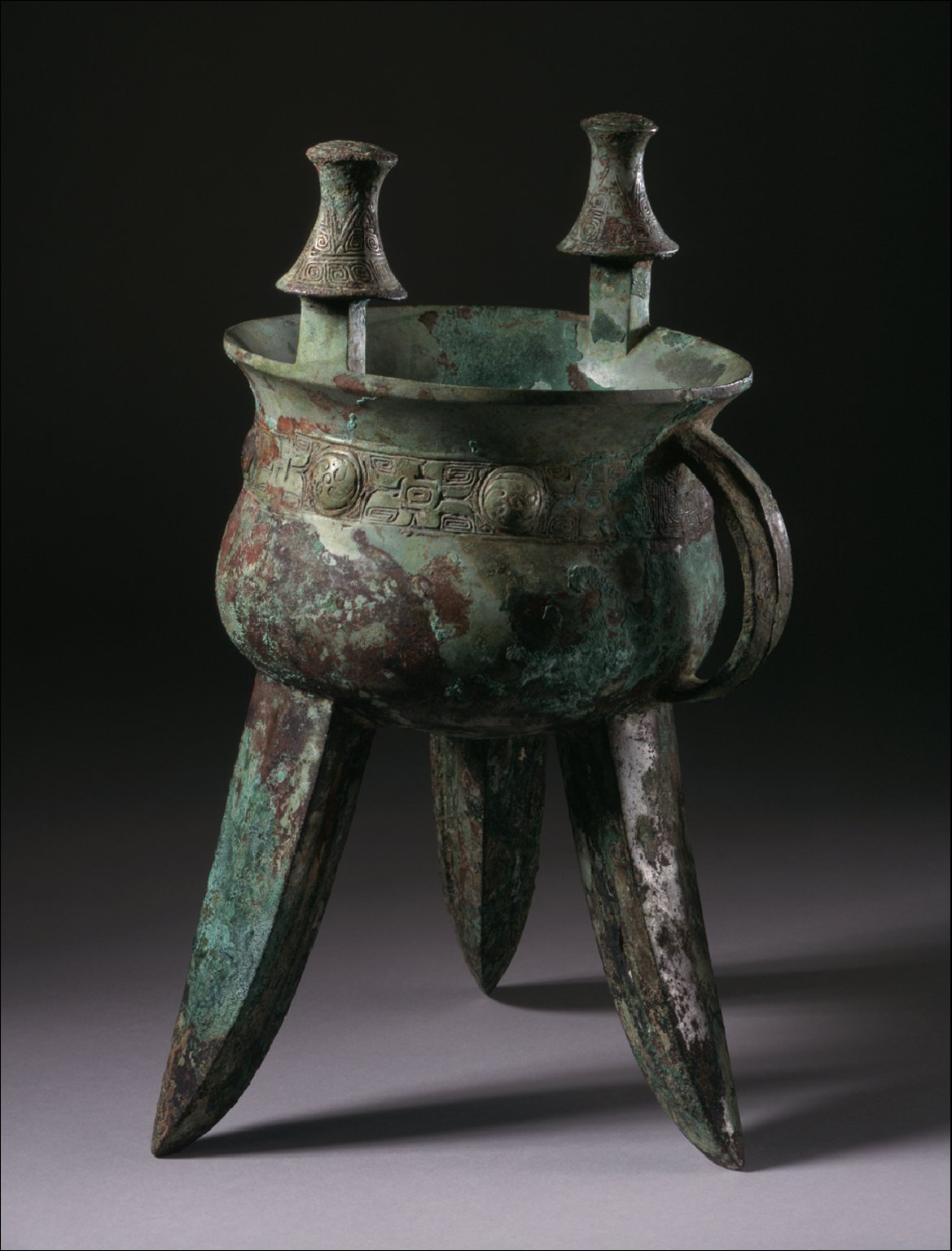 Large Ritual Wine Warmer (Jia) with Whorls and Spirals