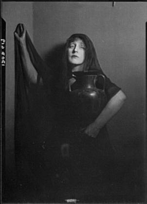 Anglin, Margaret, Miss, in costume